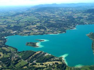 lac d'aiguebelette, avressieux,73240, savoie, isère, tourisme