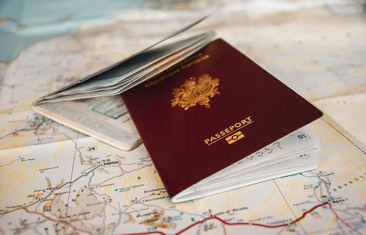 démarches administratives, état-civil, passeport, carte d'identité